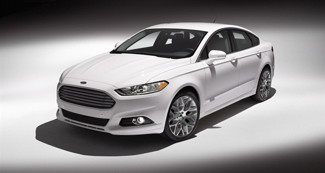 The new Fusion helps broaden the selection of fuel-efficient powertrains in the midsize car segment with hybrid and plug-in hybrid alternatives, two EcoBoost four-cylinder engines, and a normally aspirated four-cylinder engine.