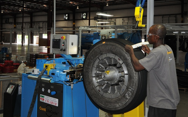 The gap between new replacement tires retread tires is narrowing despite price hikes for retreads.