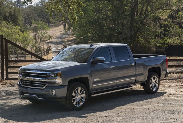 Photo of 2017 Chevrolet Silverado 1500 courtesy of GM.