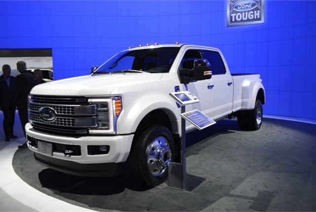 Photo of 2017 Ford SuperDuty pickup by Thi Dao.