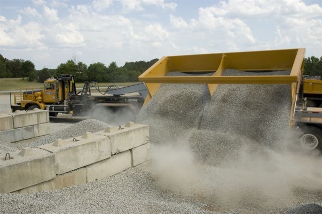 pstrongThe side-dump option means no time is wasted getting rid of the load./strong/p