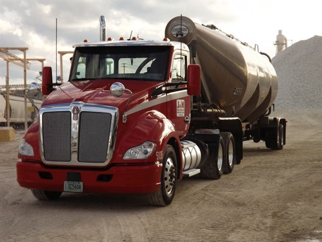 <p><strong>J&M operates 13 terminals in Alabama, Georgia, Oklahoma, South Carolina, and Texas. The fleet specializes in carrying industrial and food grade products, as well as liquid bulk goods.</strong> <em>Photo: Bendix</em></p>