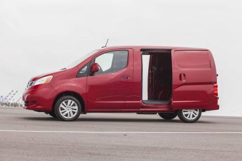 The NV200 Compact Cargo is more than 4.5-feet shorter in length and 2.5-feet lower in height than the Nissan NV 2500/3500 High Roof. (PHOTO: NISSAN)