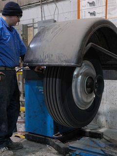 Dynamic balancing is a good way to ensure the tire ans wheel assembly is properly balances. If problems persist, check the hub and drum assembly. (Photo: Jim Park)