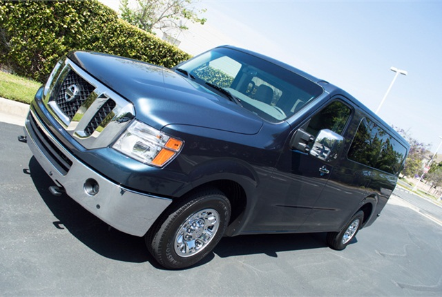 2014 nissan nv passenger van driving notes automotive. Black Bedroom Furniture Sets. Home Design Ideas