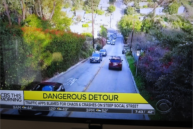 <p><strong>Whoa -- how'd you like to descend this hill with bad brakes? </strong><em>Images: Screen captures from CBS Morning News.</em></p>