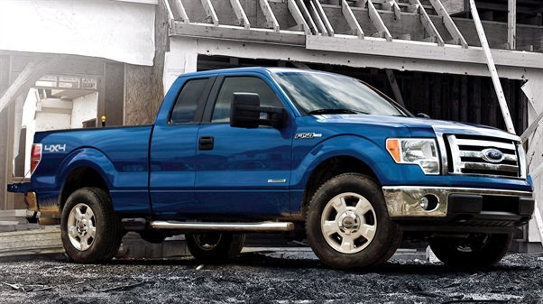 The Ford XLT offers a 3.7L V-6 engine option. Photo courtesy Ford Motor Co.