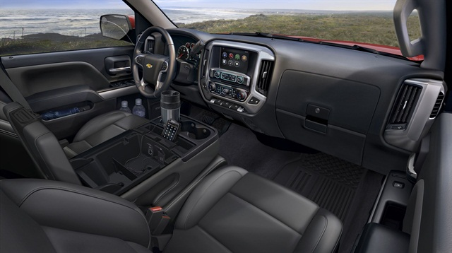 The interior of the 2014 Chevrolet Silverado.