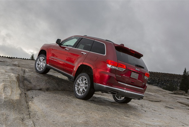 The automaker offers three suspension systems for the Grand Cherokee for MY-2014. Photo courtesy of Chrysler Group.