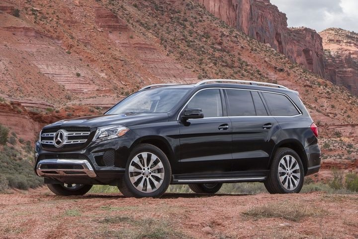 gallery photo of the 2017 gls450 courtesy of mercedes benz mercedes benz shifts to monthly. Black Bedroom Furniture Sets. Home Design Ideas