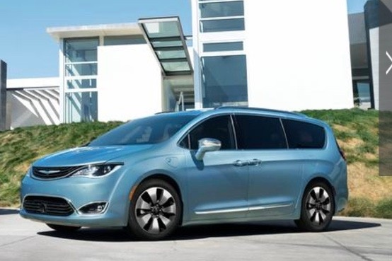 gallery photo courtesy of fca chrysler pacifica plug in hybrids recalled for stalling news. Black Bedroom Furniture Sets. Home Design Ideas