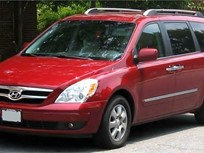 Hyundai Recalls Entourage Minivans for Hood Latch