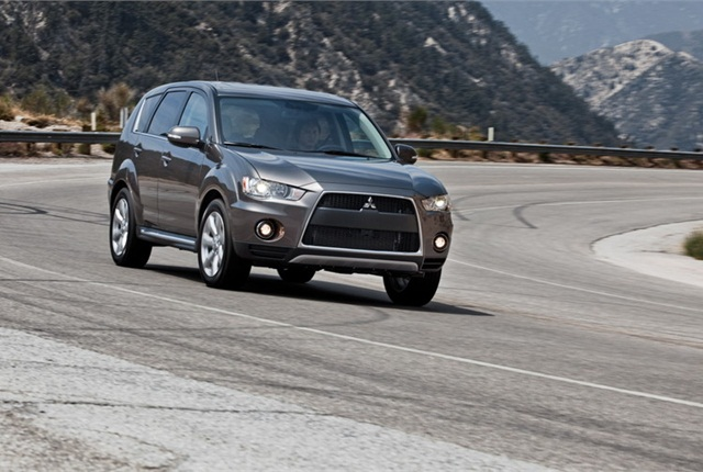 Photo of Outlander courtesy of Mitsubishi.