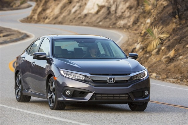 Photo of 2016 Civic courtesy of Honda.
