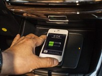 2013 Toyota Avalon to Offer Wireless In-Car Charging for Mobile Devices