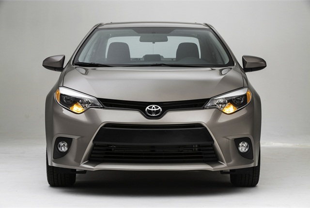 The Toyota Corolla LE Eco trim level features a 140-hp, 1.8L engine.