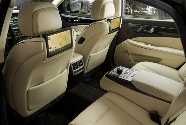 Hyundai offers a 9.2-inch high-res adjustable seat back video screen option. Photo courtesy Hyundai.