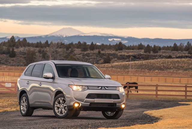 The 2014 Mitsubishi Outlander SE grade. Photo courtesy Mitsubishi.
