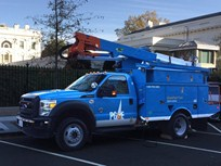 PG&E Unveils PHEV Class 5 Bucket Trucks