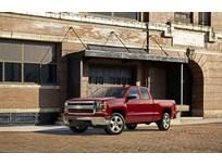 Chevrolet Debuts 2015 Silverado Custom Pickup