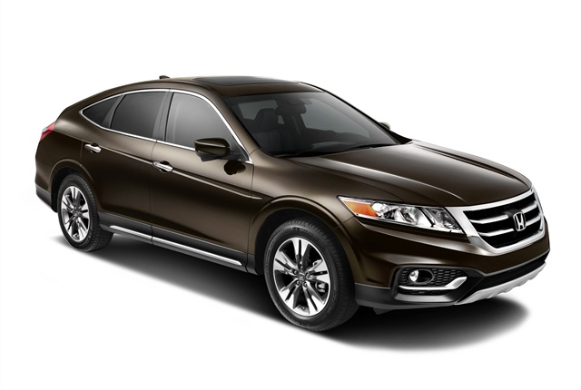 Photo of Crosstour courtesy of Honda.