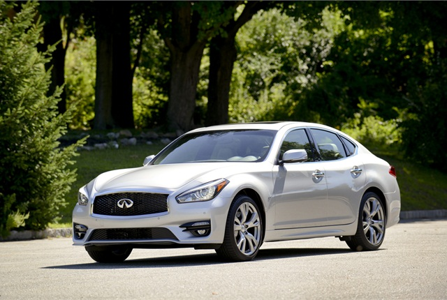 Photo of Infiniti Q70 courtesy of Infiniti.