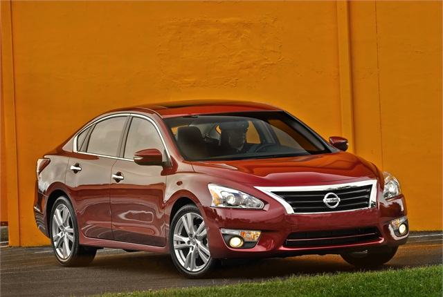 Photo of Nissan Altima courtesy of Nissan.