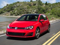 Video: Volkswagen Golf, GTI Draw Top IIHS Safety Award