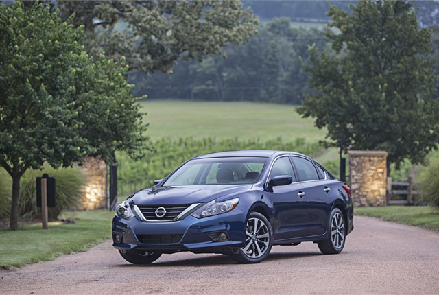 Photo of 2016 Nissan Altima courtesy of Nissan.