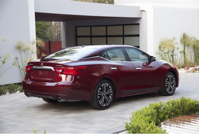 Photo of 2016 Nissan Maxima courtesy of Nissan.