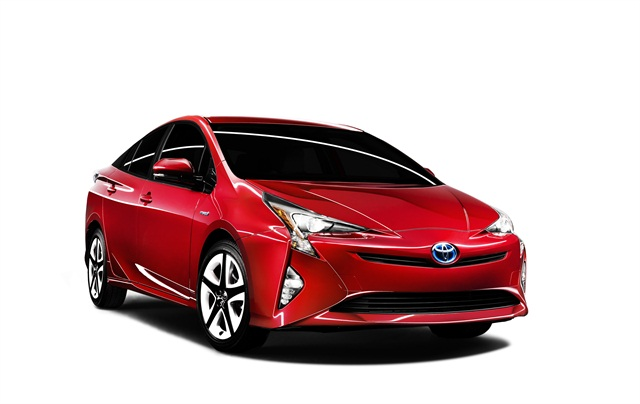 Photo of 2016 Prius courtesy of Toyota.