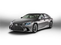 Lexus Lengthens LS Sedan for Fifth Generation
