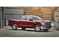 Nissan Adds Extended King Cab for Titan Pickups
