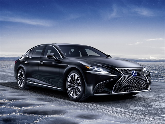 Photo of 2018 LS 500h courtesy of Lexus.