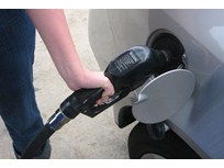 Fuel Economy Top Selling Point, Study Finds