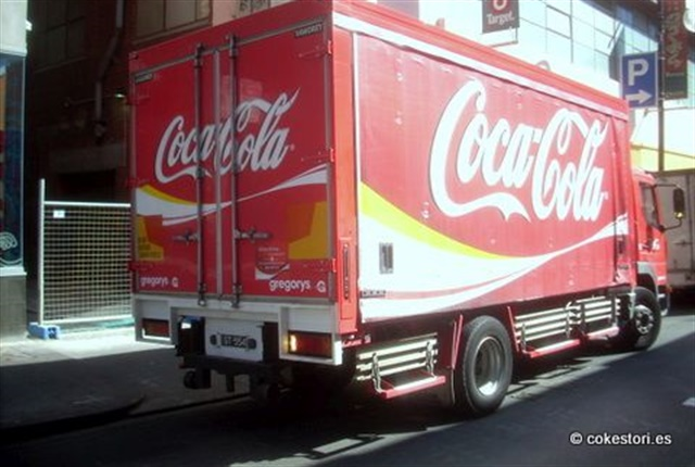 Photo of a Coca-Cola Amatil delievry truck courtesy of Cokestories/Coke Spring and Autumn via flickr.