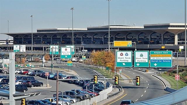 <p>Newark Liberty International Airport. <em>Photo: Qwesy Qwesy/Wikimedia
