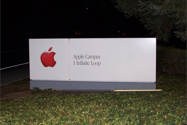 Photo of Apple headquarters sign by Nishant12/Wikimedia Commons.