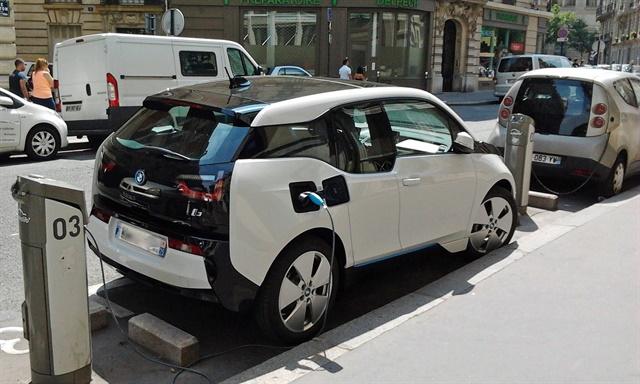 <p><em>Ireland's GoCar carsharing service has added BMW i3 vehicles to its fleet. Photo via Wikimedia.</em></p>