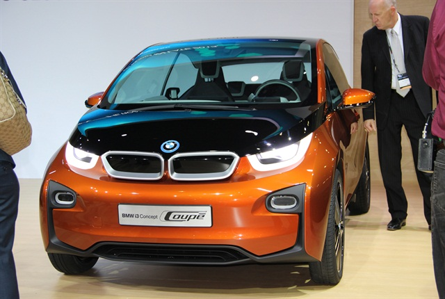 Photo of the 2014 BMW i3 via Autmotive Fleet.