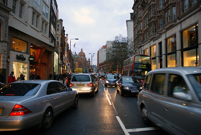 Photo of London road in Knightsbridge courtesy of Allen Watkin via Wikimedia Commons.