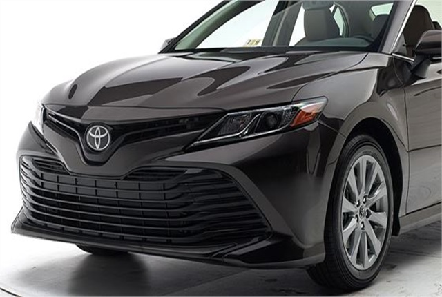 Photo of Toyota Camry courtesy of IIHS.