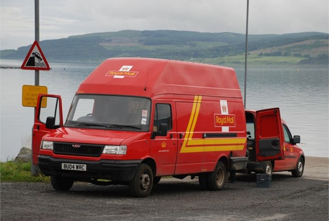 Photo of Royal Mail vans via Wikipedia.
