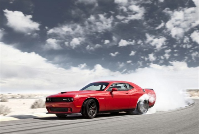 Photo of 2015 Dodge Challenger SRT with Hellcat courtesy of Chrysler.