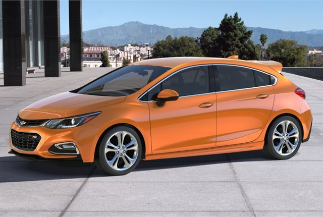 Photo of 2017 Chevrolet Cruze Hatch courtesy of GM.