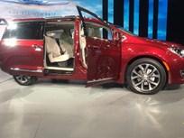 2017 Chrysler Pacifica Reboots FCA Minivan Lineup