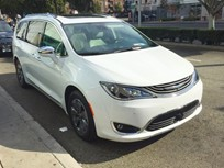 2017 Chrysler Pacifica Hybrid Provides 530 Miles of Range
