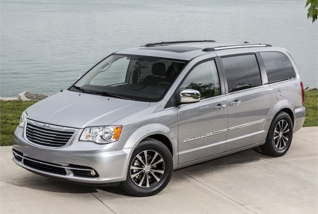 Photo of the 2016 Chrysler Town & Country courtesy of FCA.