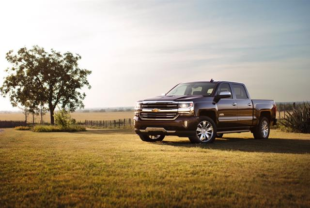 Photo of Chevrolet Silverado 1500 courtesy of GM.