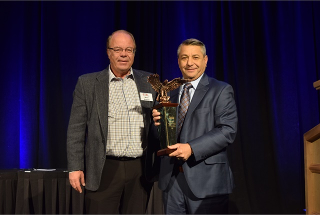 Tom Caruso, EVP for KAR Auction Services was honored with the Remarketer of the Year Award for 2018.